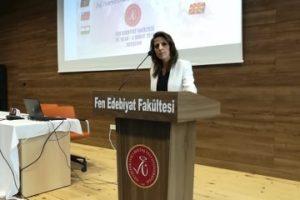 تدريسية-من-كلية-اللغات-تشارك-بمؤتمر-دولي-في-إسطنبول-1